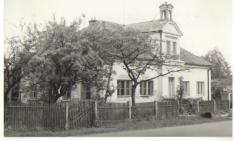 Čp 93, budova obecné školy zr. 1886-fotografie zr. 1968