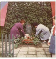 Uctění památky vroce 1989, sestry Lepšinovi, Naděžda aLudmila