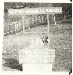 Obnovení části pomníku, 4.3. 1990