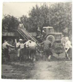 Budování vodní nádrže - rok 1958
